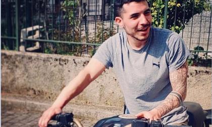 Il dramma si è trasformato in tragedia: morto il 34enne che si è schiantato in moto al curvone