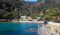 Turista americano rimane chiuso sul balcone dell'hotel, tenta di calarsi e muore