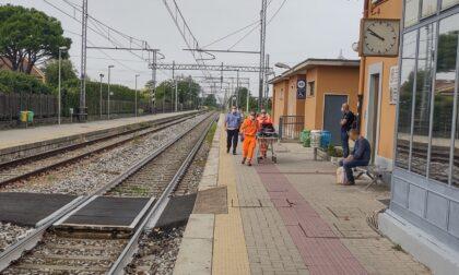 Malore in stazione: donna rianimata dai soccorritori