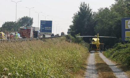 Motociclista gravemente ferito in un incidente sulla Statale 36