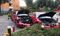 Violento scontro: due auto distrutte