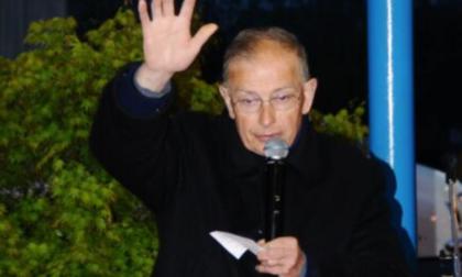 """L'addio a don Costantino Prina: """"Testimonianza di coraggio, dignità e speranza"""""""